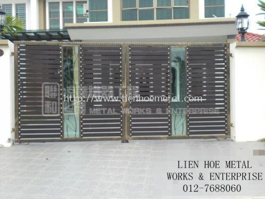 Open Gate with Aluminium and Tempered Glass